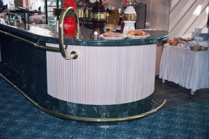 מסעד רגל ויד מפליז מלוטש מלון הולידי אין אילת